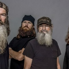 Robertson Family Wins Huge Victory, Duck Dynasty's Phil Robertson Reinstated By A&E