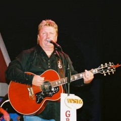 WATCH – Pickup Man By Joe Diffie