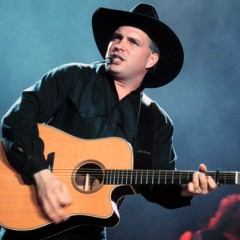 You Won't Believe How Fast Garth Brooks' First Comeback Concerts Sold Out!